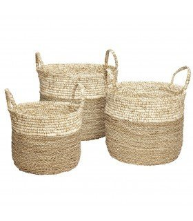 Natural round baskets and white Hubsch